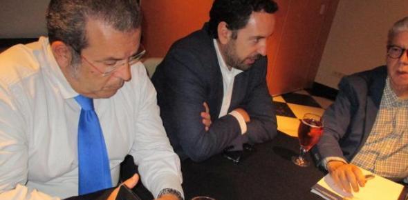 Vicente Almenara junto a Francisco Salas y Carlos Pérez Ariza